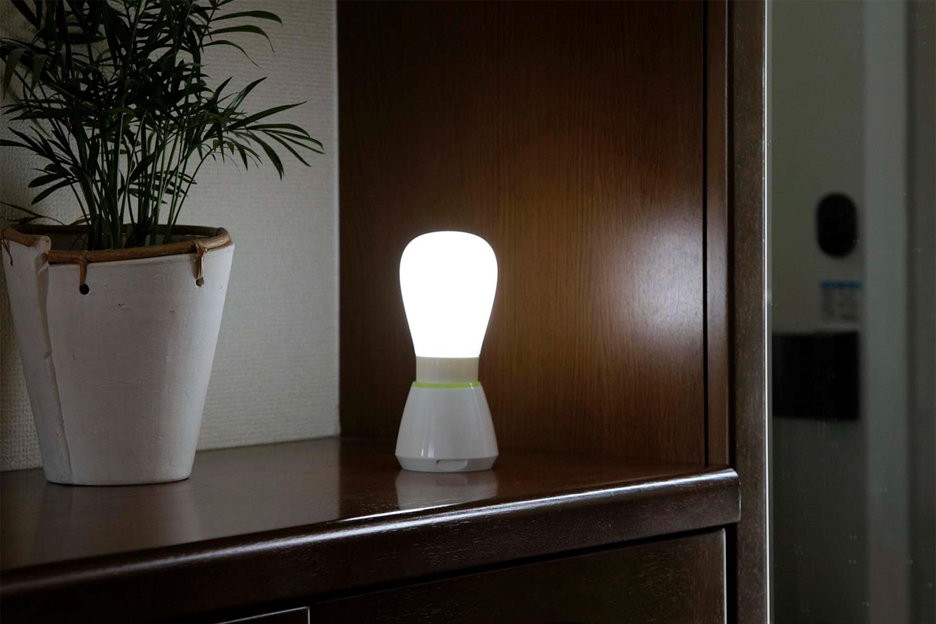 持っても置いても便利な2WAYライト LED
